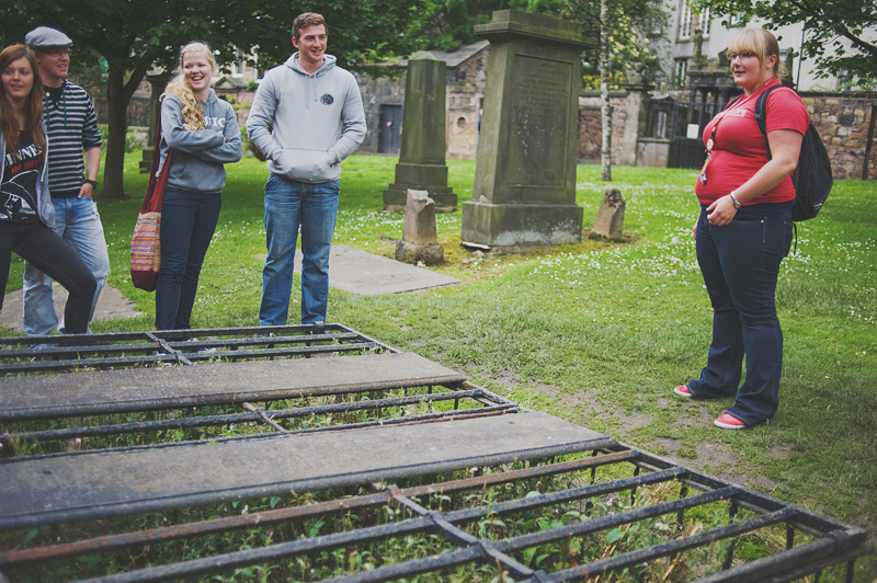 free tour visiting edinburgh's cementery